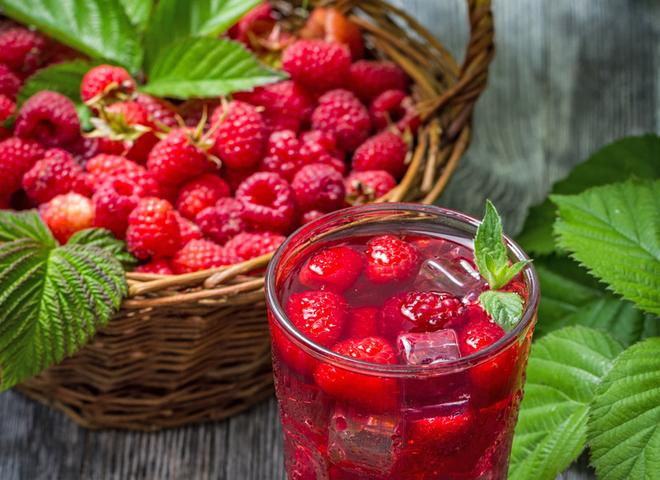 Компот із малини: рецепт вітамінної заготовки на зиму