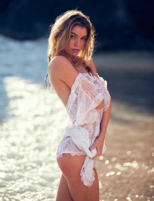 Ангели Victoria's Secret у відвертих образах в зйомці Vogue