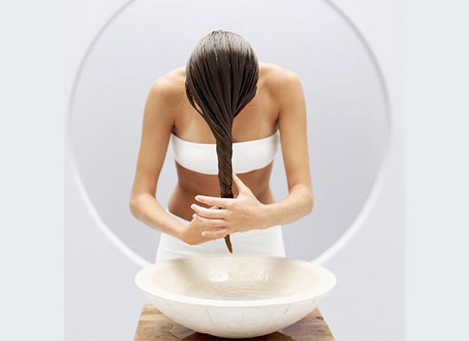 Суха шкіра голови: як наносити маски для волосся, щоб домогтися кращого ефекту