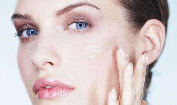Як запобігти сухості шкіри в холодну пору