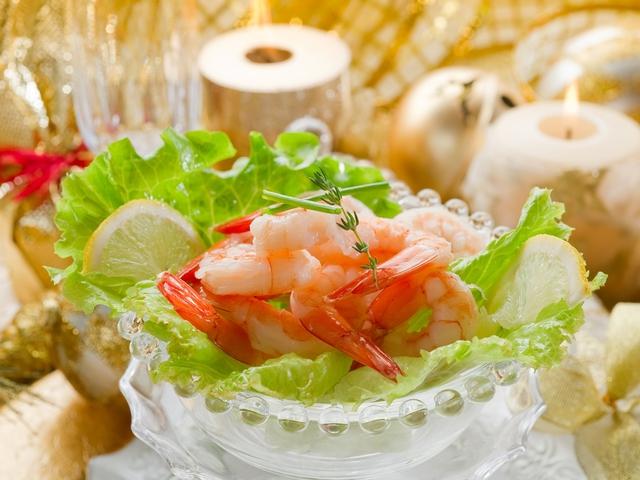 праздничный  салат с креветками к Новому году 2012