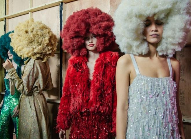 Модне волосся 2016: кольорове фарбування – тренд з подіуму (фото)