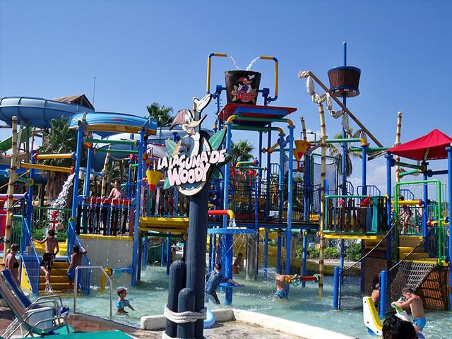 Лучшие парки развлечений в мире: погуляй на славу (фото)