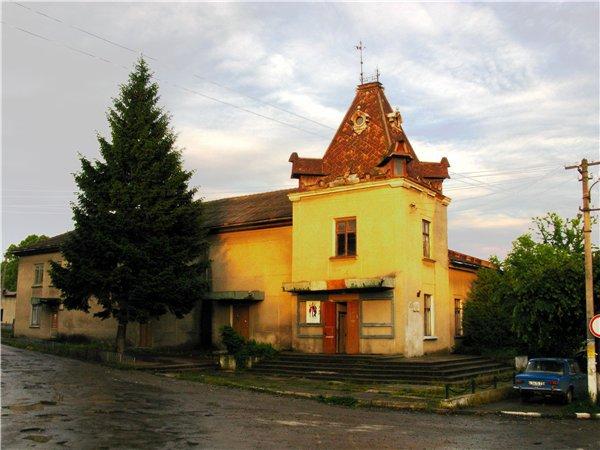 Дивовижне поруч: мальовниче містечко Заліщики в Тернополі