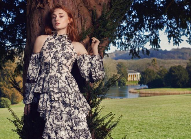 Вікторіанська романтика: Софі Тернер в зйомці The Edit