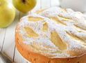 Шарлотка с яблоками: рецепт на скорую руку (видео)