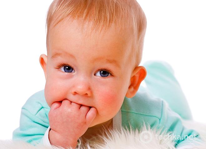 Почему ребенок сосет руку, палец, кулак?  Здоровье моих детей.