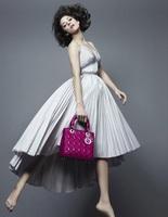 Марион Котияр для новой коллекции сумок Lady Dior.