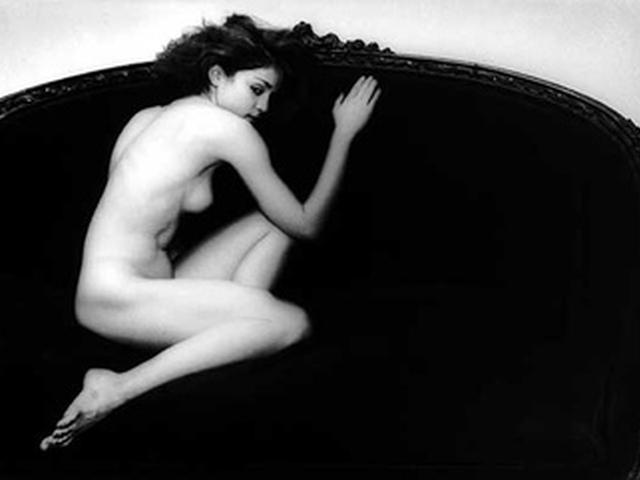 Фотография американской певицы Мадонны, опубликованная более 20 лет назад в