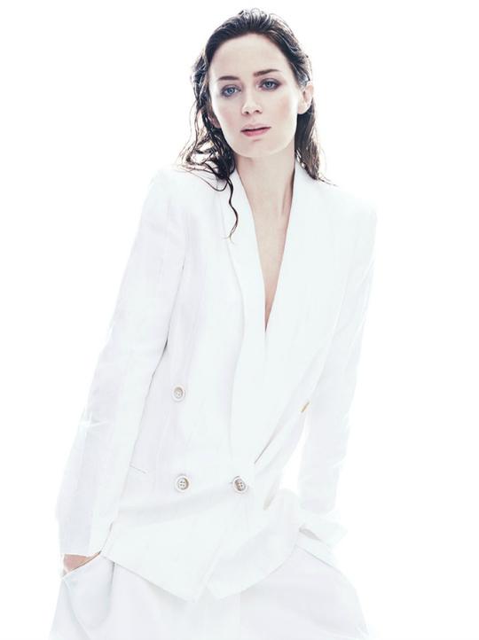 Емілі Блант у зйомці журналу C Magazine