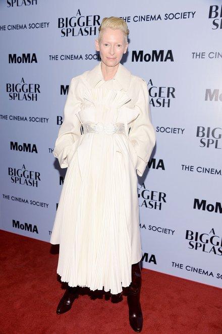 """Образ Тільди Свінтон на прем'єрі фільму """"Великий сплеск"""""""