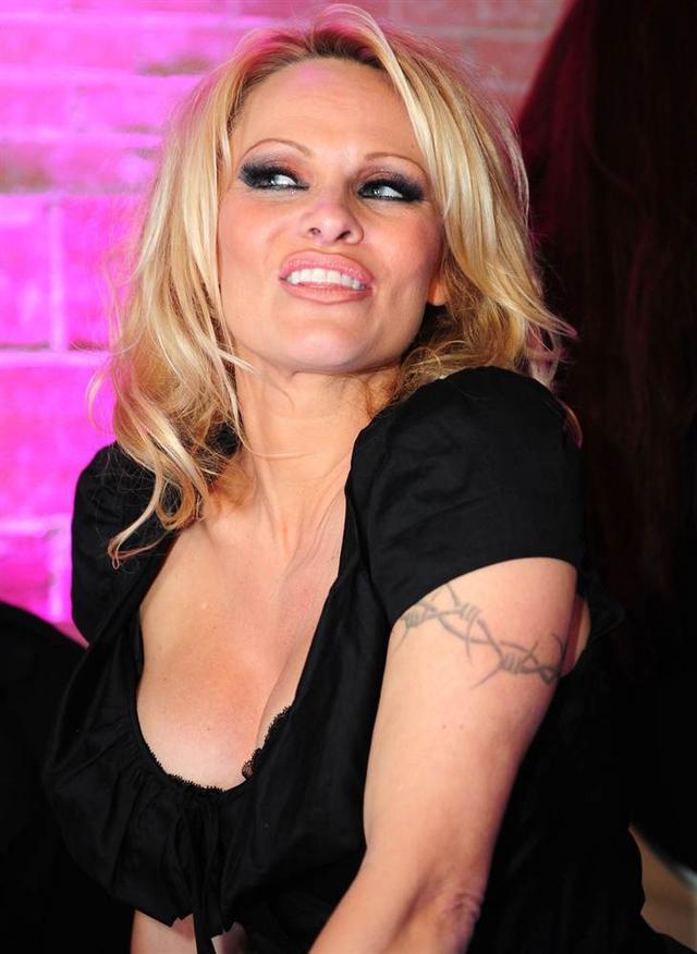 Топ 10 відомих жінок з татуюваннями
