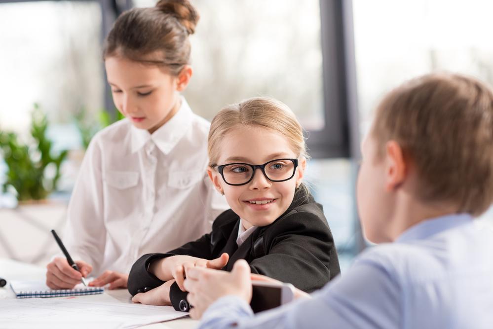 работа для школьников киев от 15 лет
