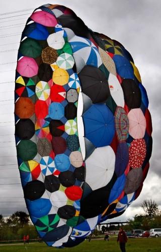 Воздушный змей из зонтов - МЕГА