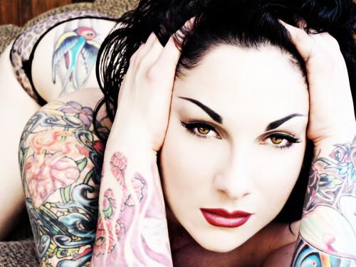 Шикарные девушки с татуировками